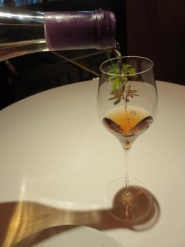 5杯目はセミスイートワイン