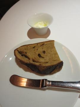 おかわりもシュクレ・クール のパン!
