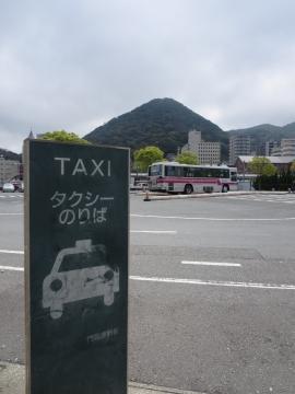 門司港駅にタクシーはなく…