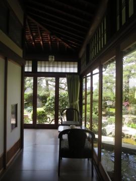 廊下と庭園