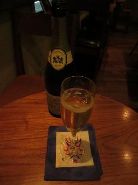 グラスシャンパン 1000円