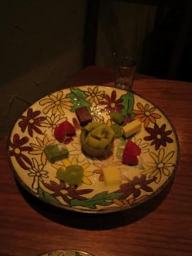 生チョコとフルーツの盛り合せ 1000円をハーフサイズにして貰いました
