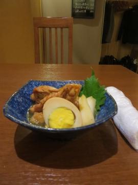 手羽元とゆで卵の甘辛煮 550円