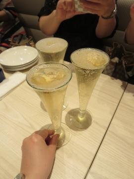 俺のシャンパン 999円