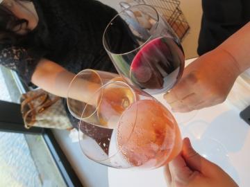 白・赤・ロゼ泡で乾杯