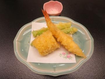 アスパラと海老の天ぷら