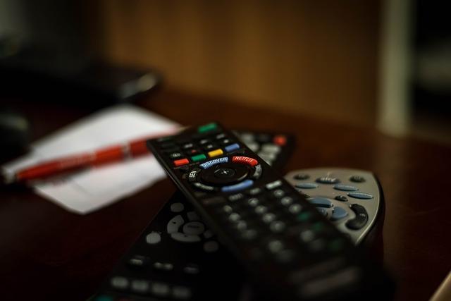 remote-control-932273_640.jpg