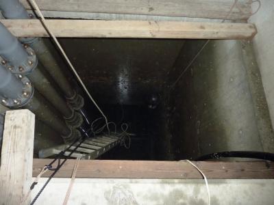 給水槽管内清掃2