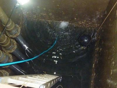 給水槽管内清掃8
