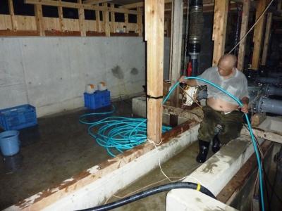 給水槽管内清掃9
