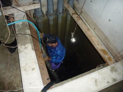 給水槽管内清掃6