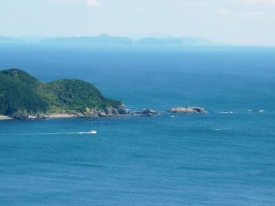佐田岬半島の漁船出漁1