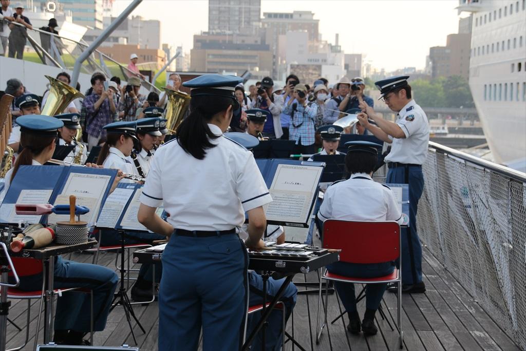 横浜市消防音楽隊による見送りの演奏_2