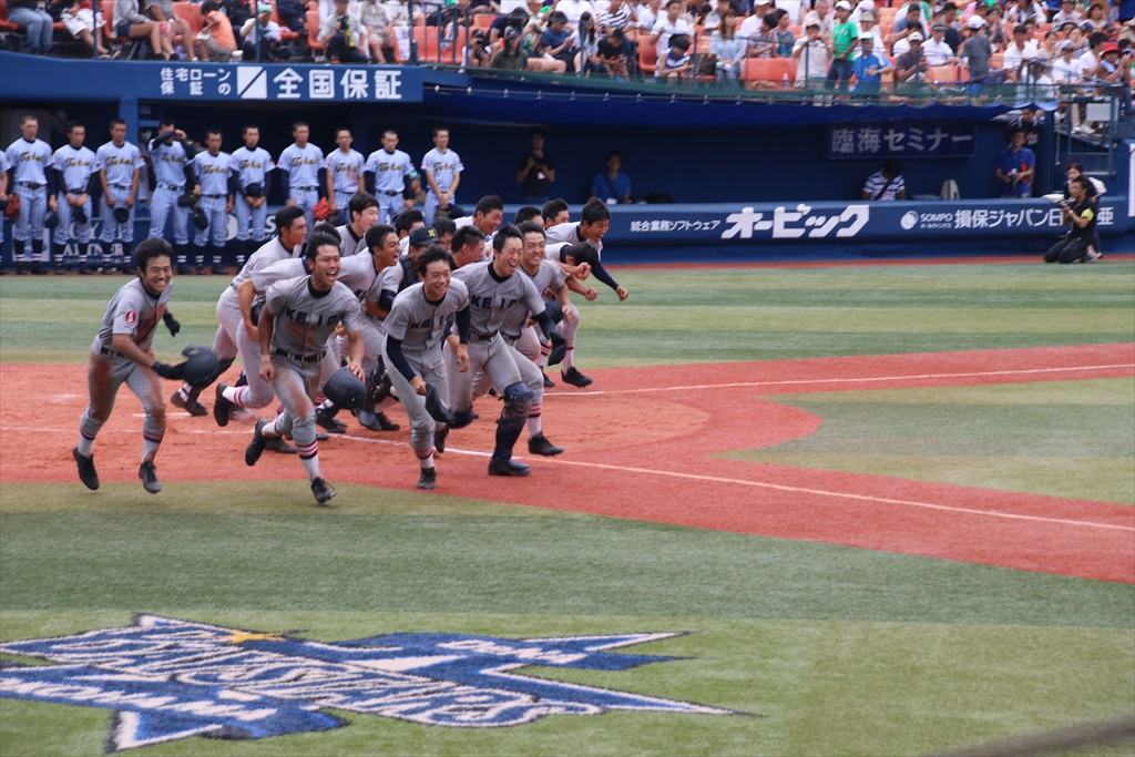 8回裏(東2-11慶)_12