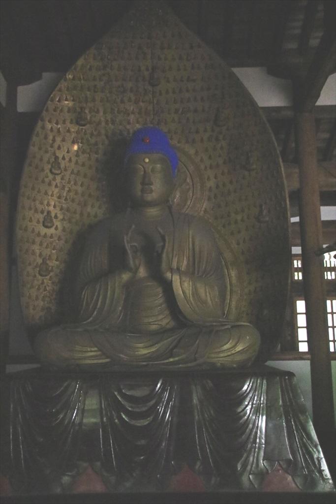 中品堂_安置されている3躯の仏像_3