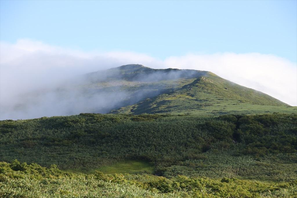 あっという間に山頂に雲が湧きだした_2
