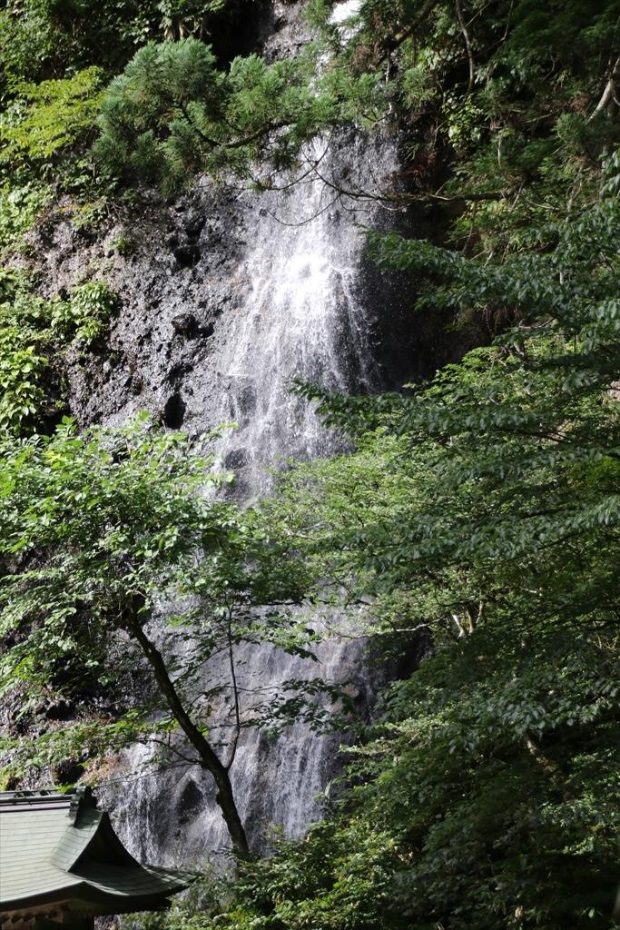 橋の上から見た須賀の滝_2