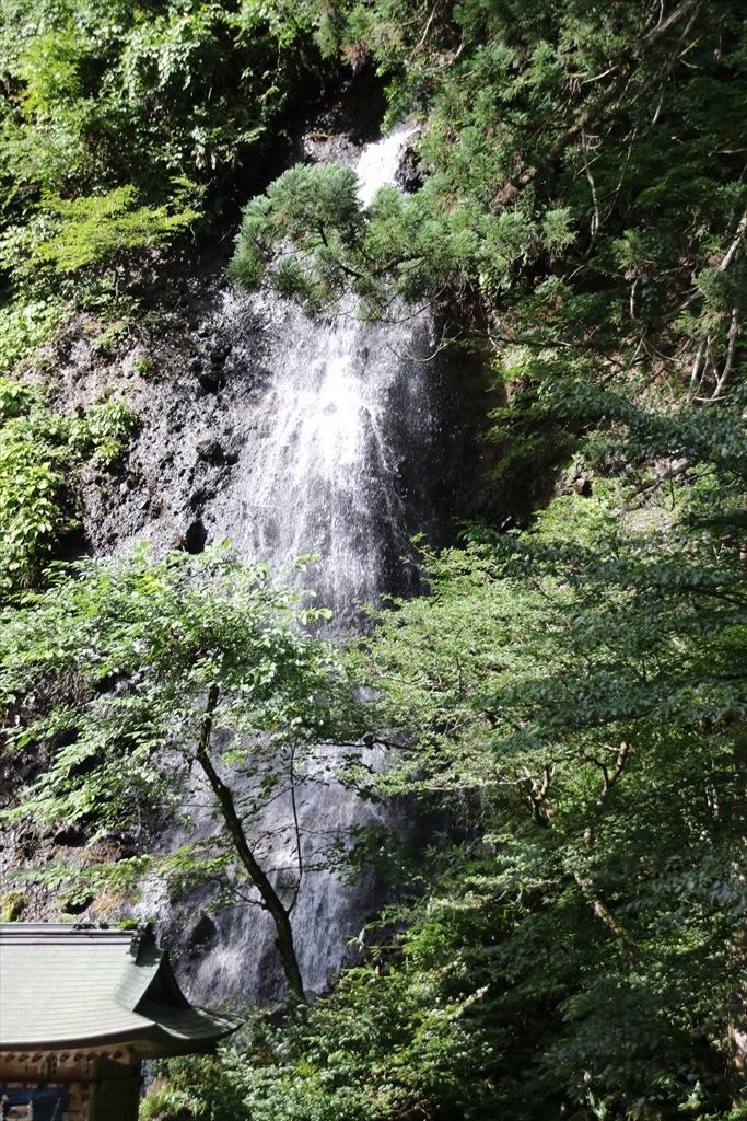 橋の上から見た須賀の滝_3