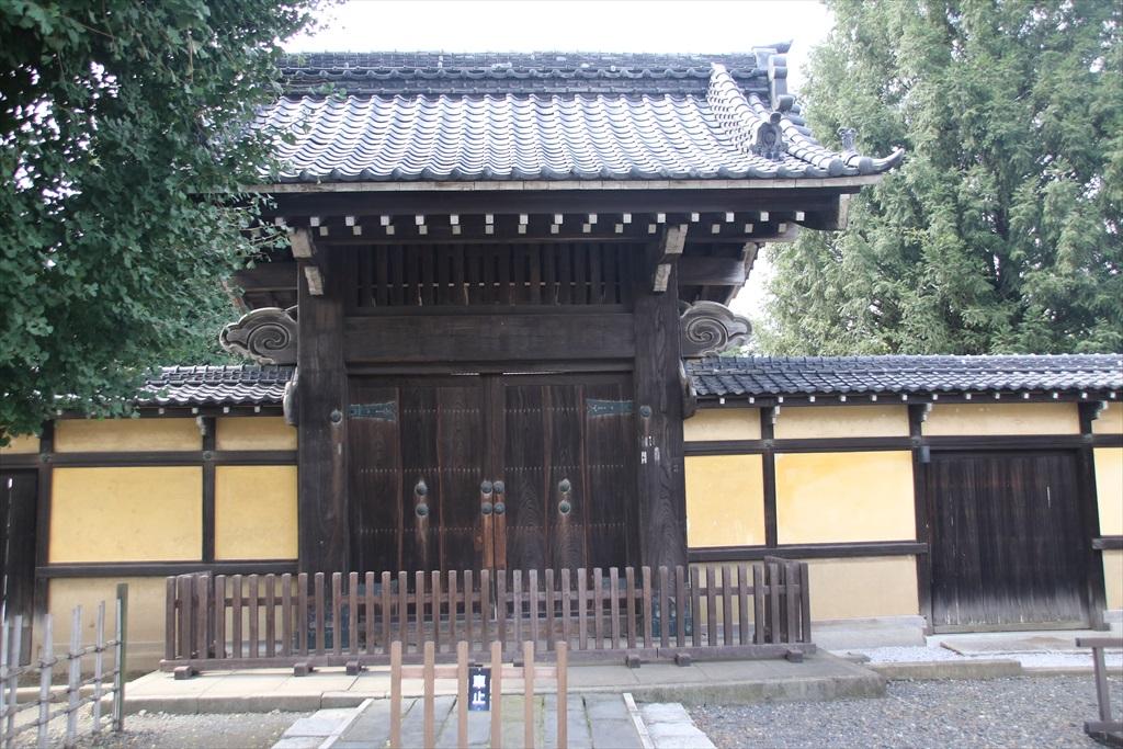 養寿院山門