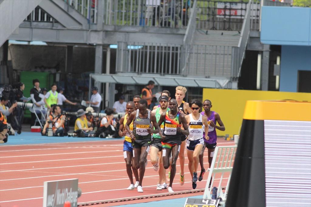 男子3000m(1)レース序盤の戦い_1