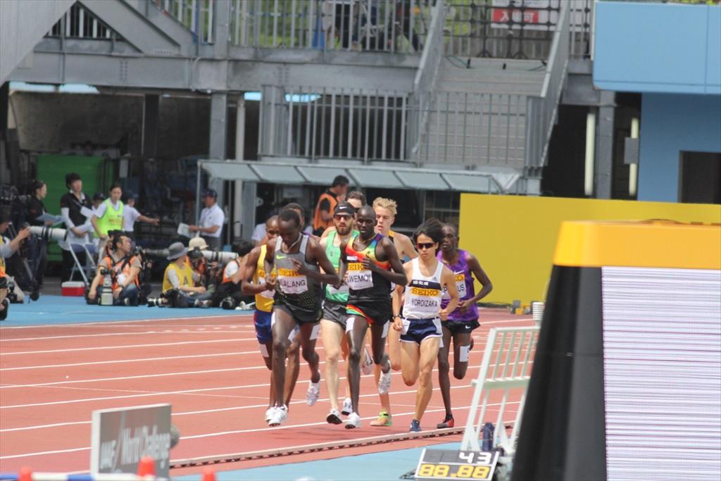 男子3000m(1)レース序盤の戦い_2