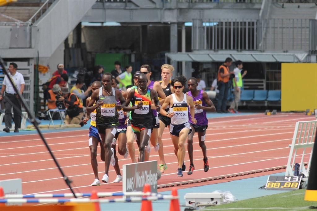 男子3000m(1)レース序盤の戦い_6