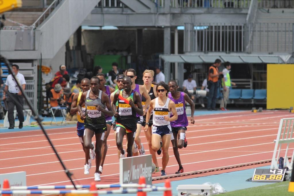 男子3000m(1)レース序盤の戦い_7