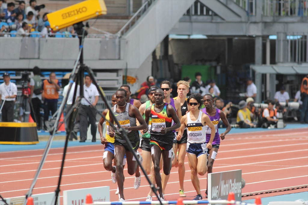 男子3000m(1)レース序盤の戦い_9
