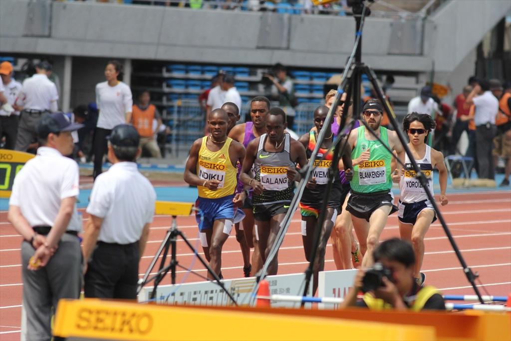 男子3000m(1)レース序盤の戦い_14