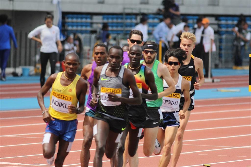 男子3000m(1)レース序盤の戦い_24