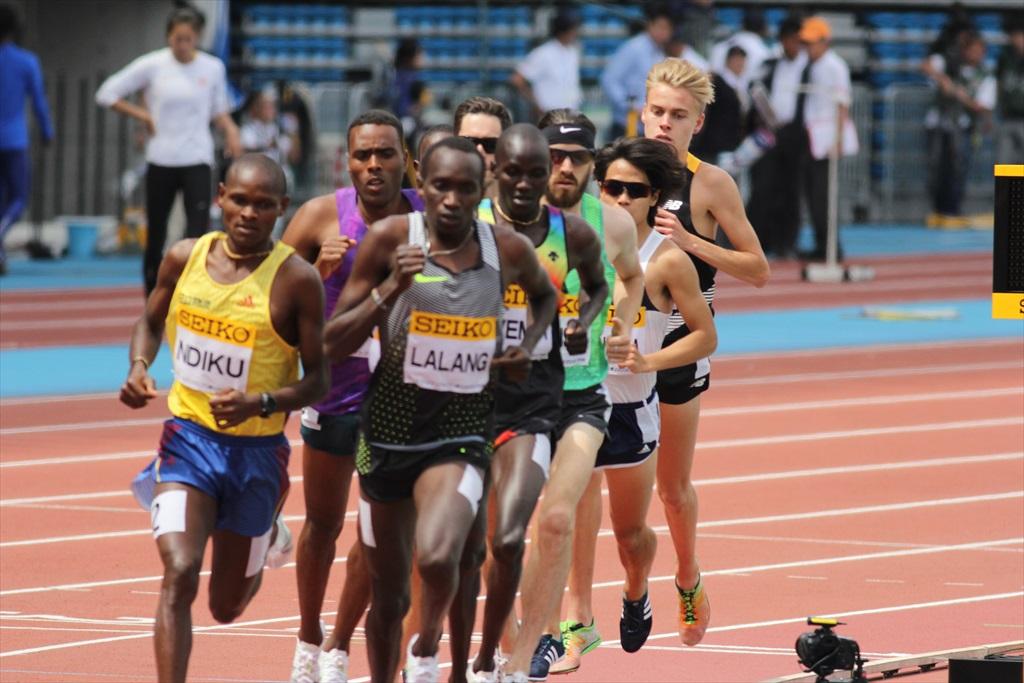 男子3000m(1)レース序盤の戦い_25