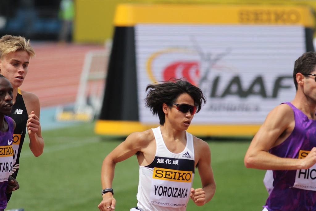 男子3000m(1)レース序盤の戦い_30