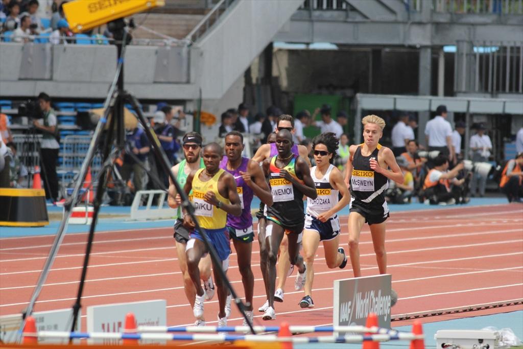 男子3000m(2)レース中盤の戦い_23