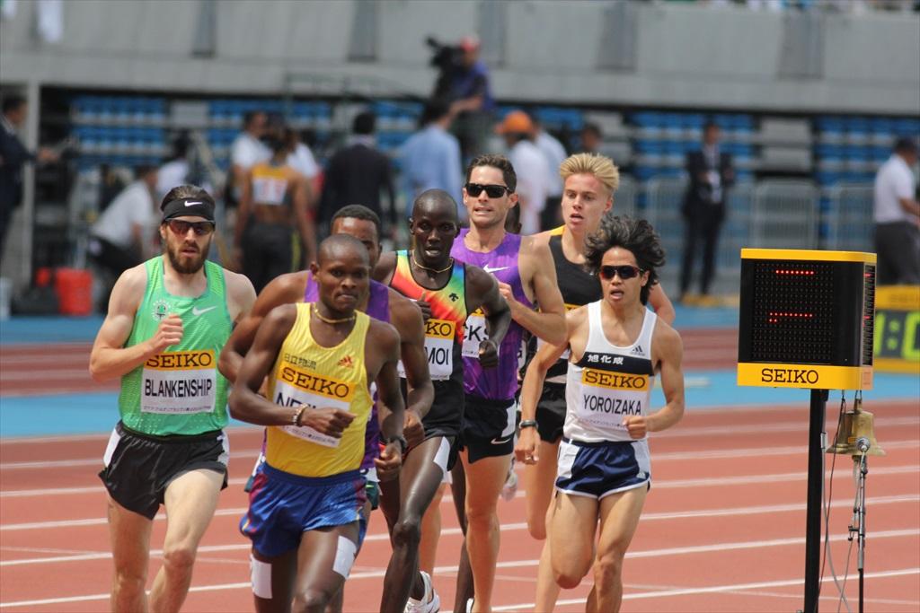 男子3000m(2)レース中盤の戦い_25