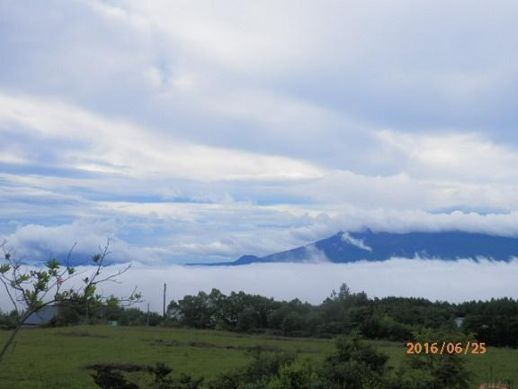 雲海の浅間山