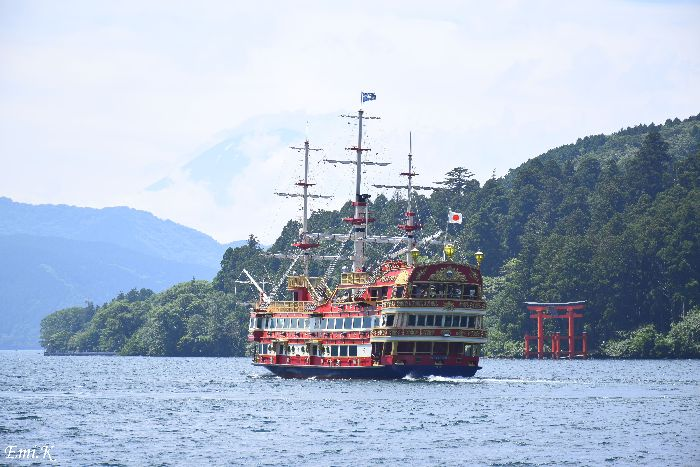 081-New-Emi-富士山-海賊船-鳥居