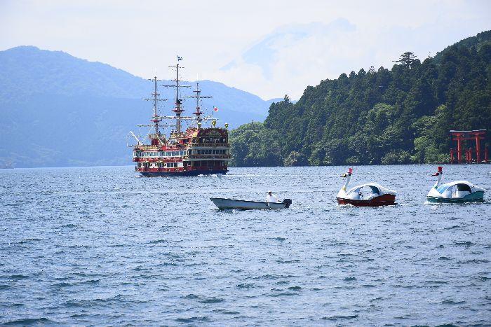 084-富士山-海賊船-鳥居