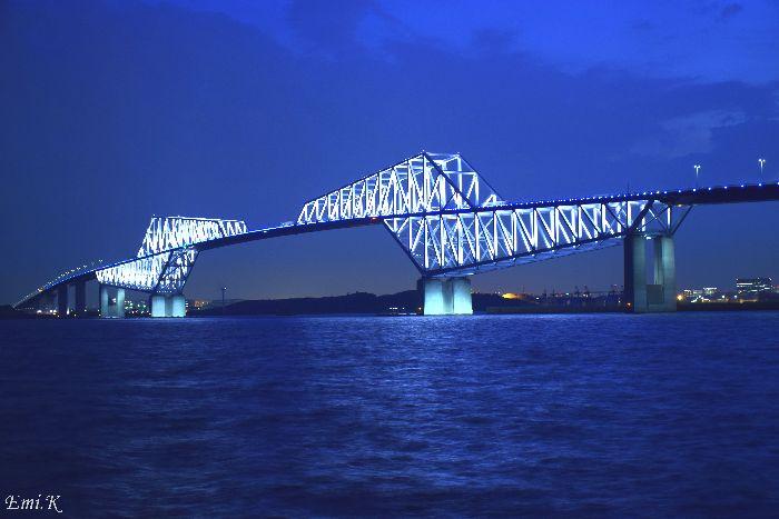 208-New-Emi-ブルーアワーベイブリッジ