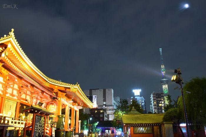 054-Emi-浅草寺本堂-スカイツリー満月