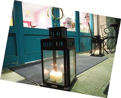 201607facade-lantern.jpg