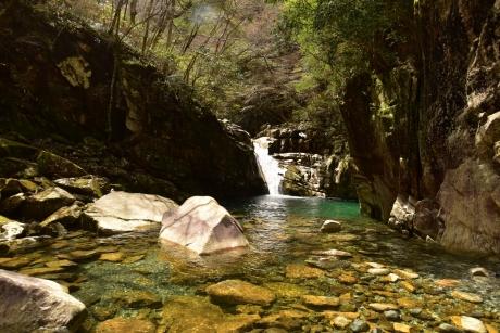 16ガマ滝