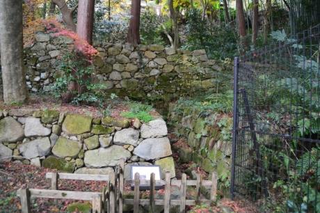 8前田家の木樋