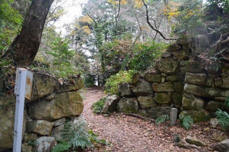 4石垣発見