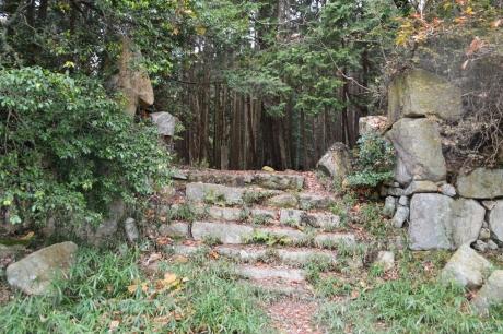 9石垣と階段
