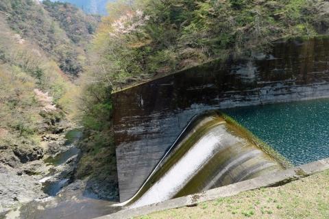 02小河内ダム直下