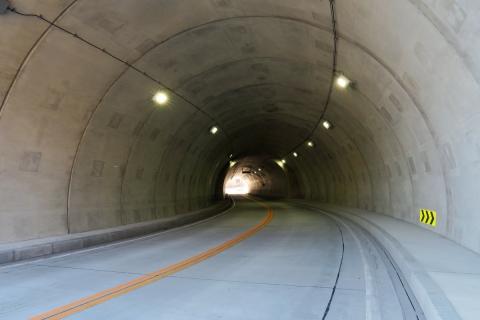 23柳沢峠DHトンネル