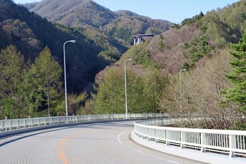 26柳沢峠DHカーブ