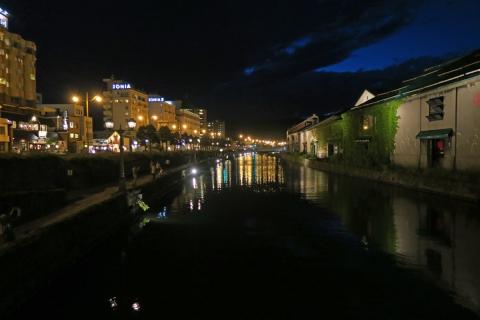 29夜の小樽運河
