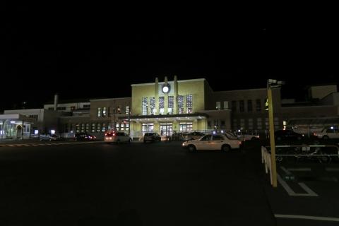 34夜の小樽駅