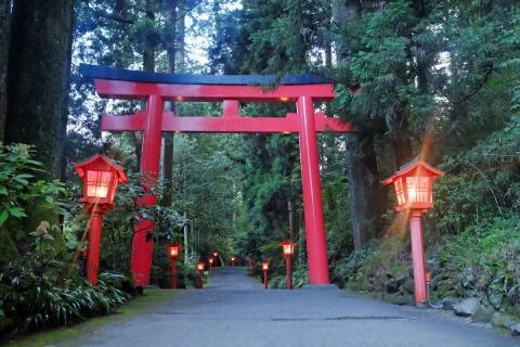 33箱根神社